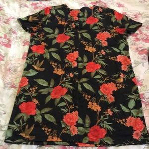 Forever21+ floral T-shirt dress size 1x fits snug.